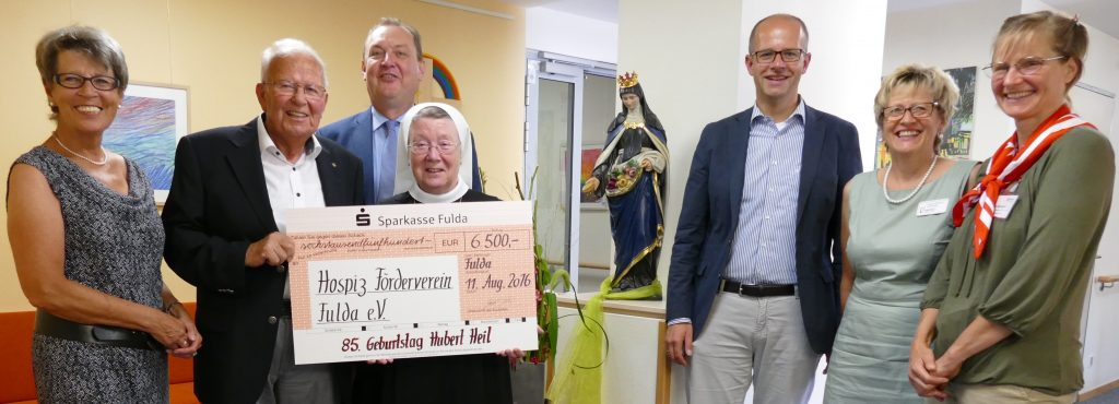 hospiz_schwarzer-hubert-spendet-ueber-6-500-euro-fuer-hospizfoerderverein_ausschnitt